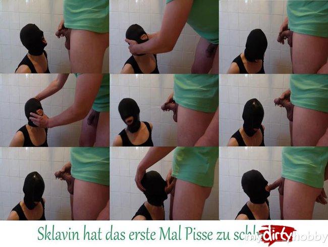 Sklavin hat das erste Mal Pisse zu schlucken