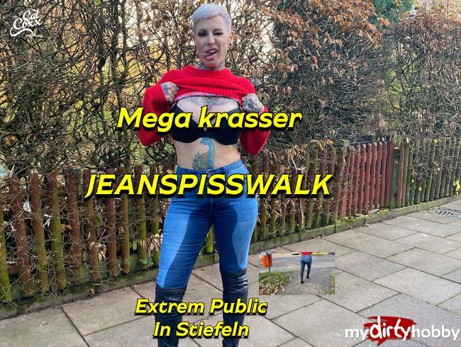 Krasser public Jeanspisswalk in Stiefeln