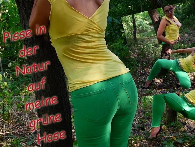 Pisse in der Natur auf meine grüne Hose